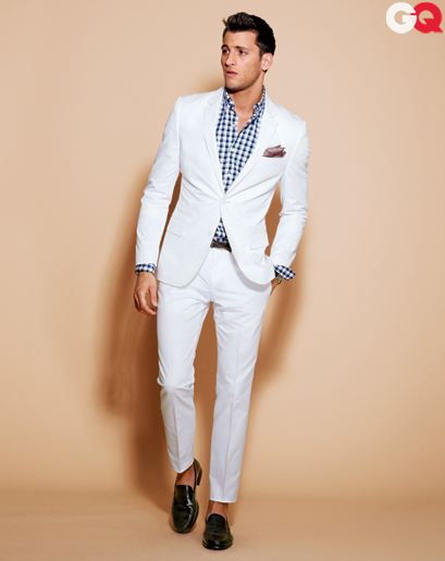 Tips to buy white suits for men