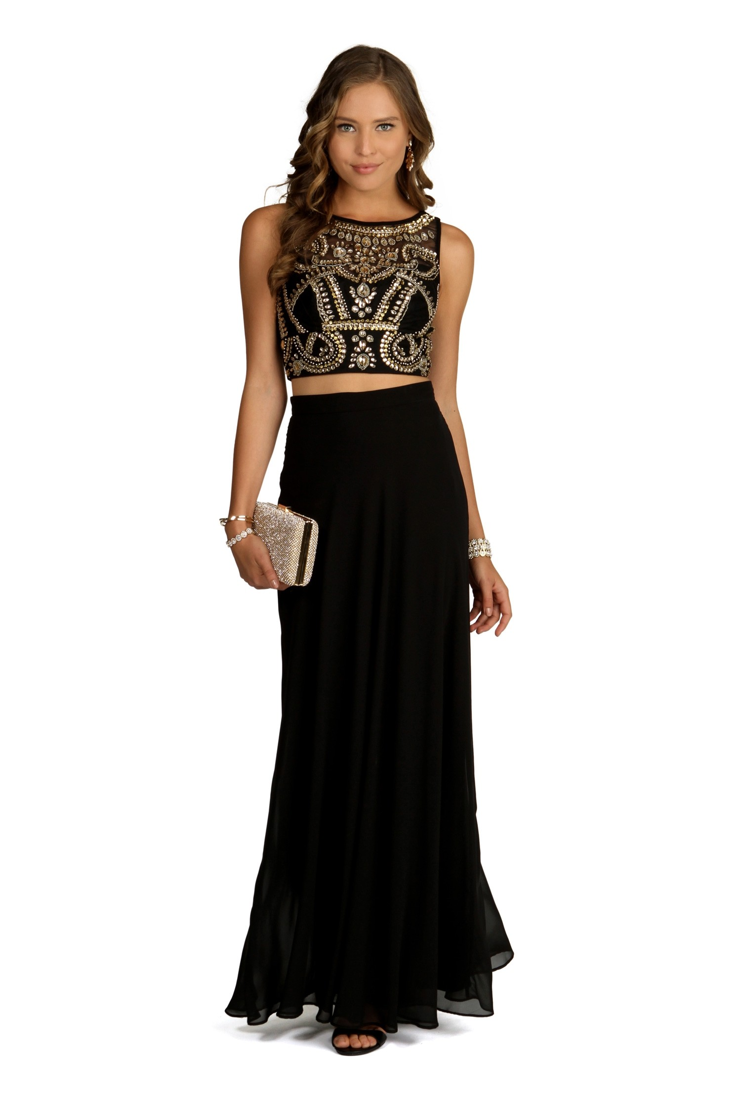 Why you can never go wrong with a black prom dress