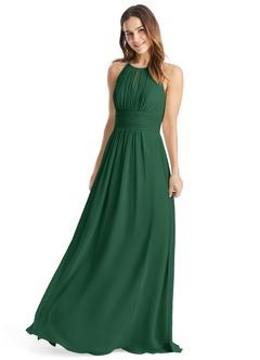Green bridesmaid dresses that make your wedding fashionable