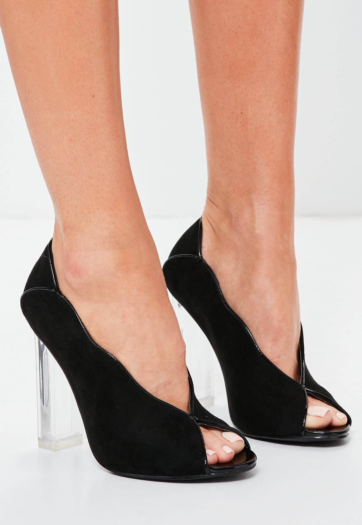 Peep toe heels: Looks Classy in Any Party