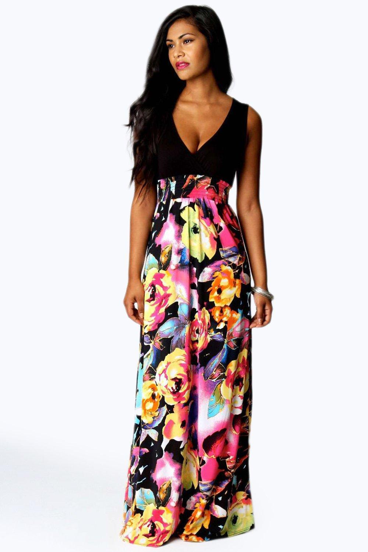 Selecting tips of petite maxi dresses