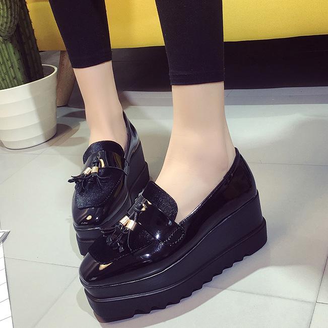 Get trendy platform shoes for women