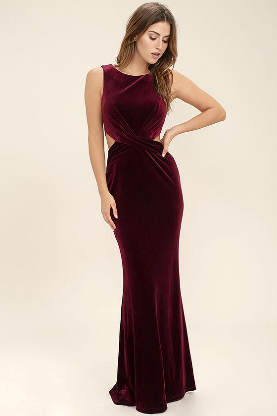 Velvet Dresses: Perfect for Evening Parties