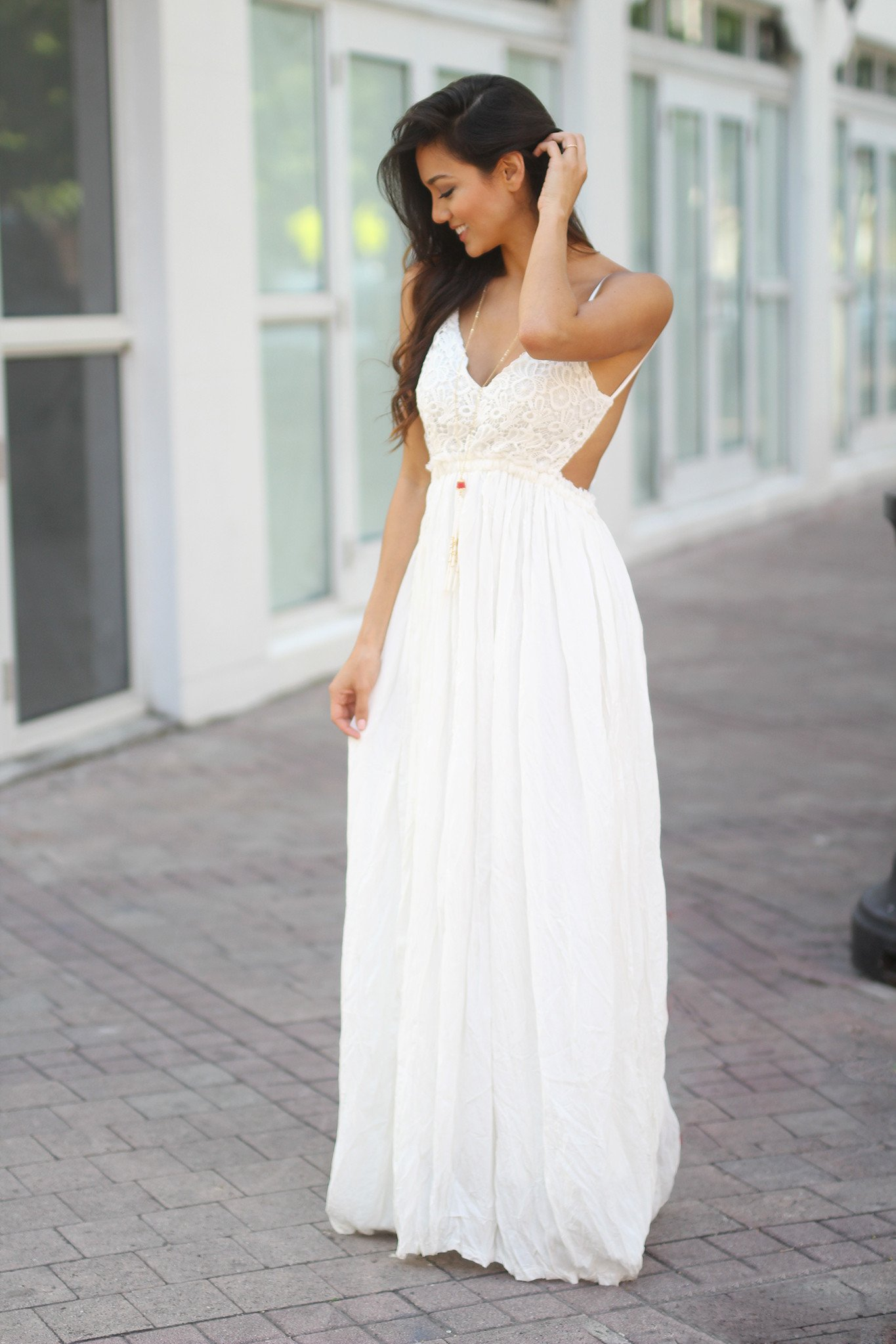 white lace maxi dress with open back oagaywd