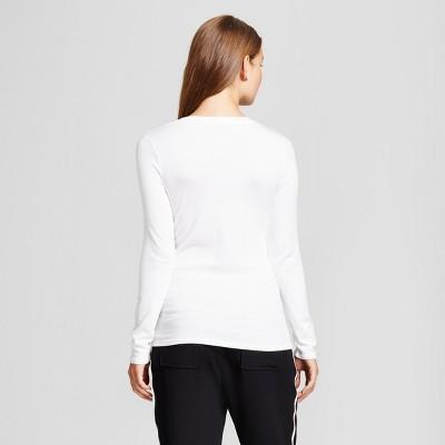 Tips to buy white tops for girls