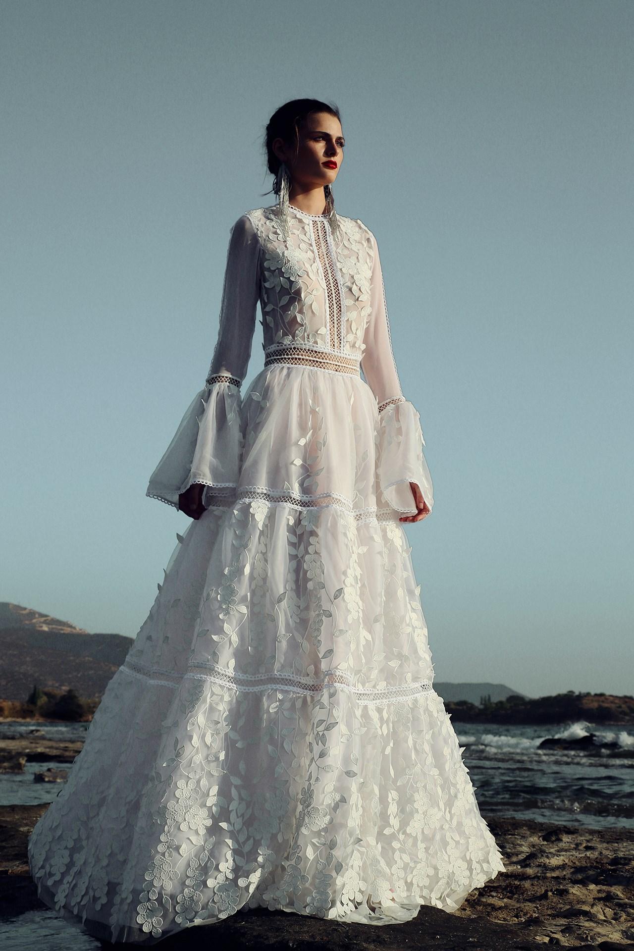 winter wedding dresses for 2017 (bridesmagazine.co.uk) zdujyma
