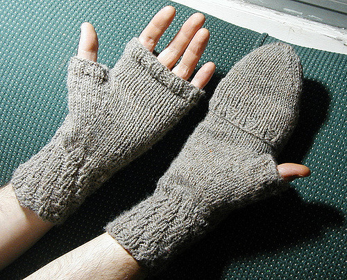 ... fingerless mittens with flap   by spinningknits fvdvyde