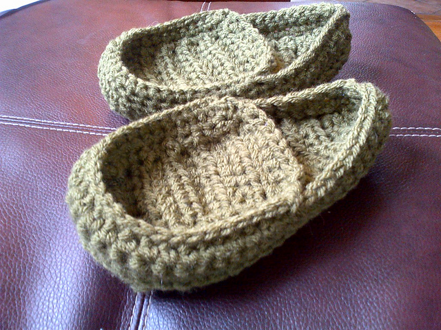 ... free crochet slipper patterns adult kid teen women men free crochet yroremx