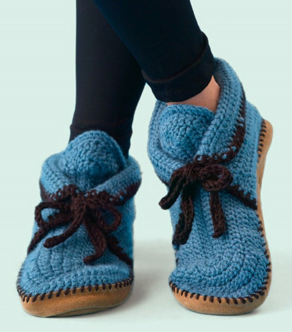 14 free crochet slipper patterns - crochet for your feet with these 14 xgouxpo