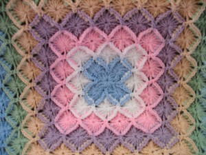 bavarian crochet rounds 25 u0026 26: with light blue repeat rounds 9 u0026 10. (4 fotostv