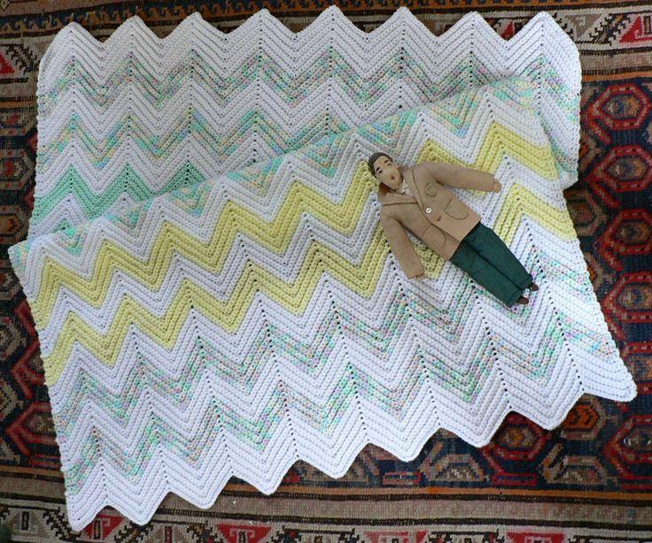 Best Crochet Blanket Patterns ripple pattern from miracleshappen. arducll