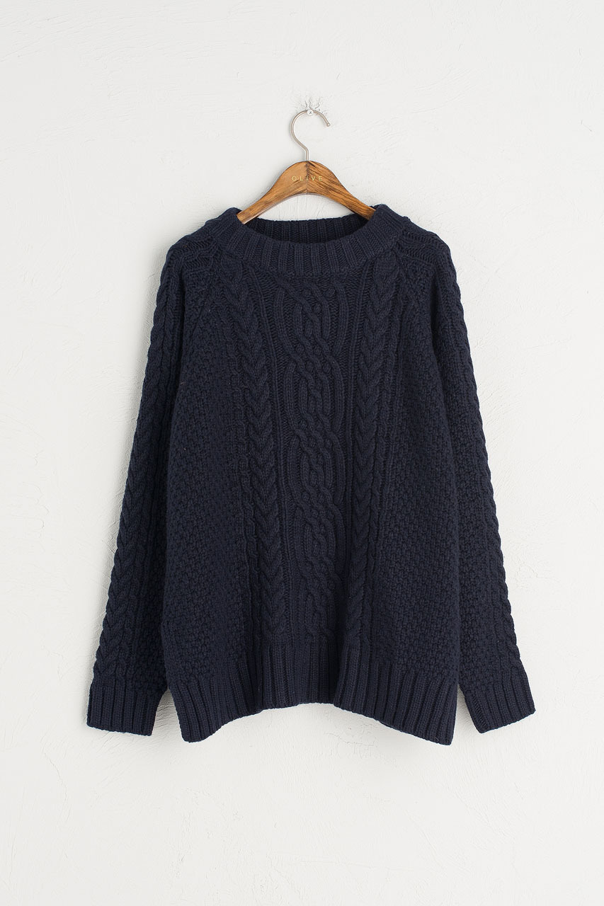 A Good Choice: Cable Knit Jumper
