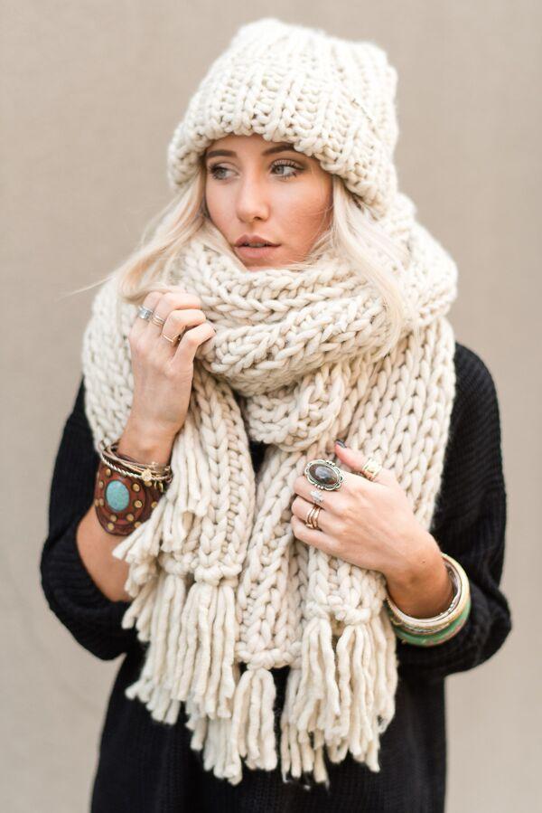chunky knit scarf desert cozy tassel chunky knitted scarf - sand zvkrody