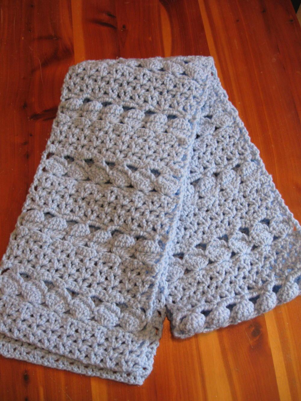 cozy blue crochet scarf   allfreecrochet.com jdqatpp