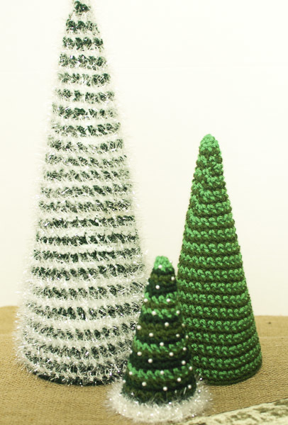 crochet christmas trees if you need to spruce up your holiday decor, these insanely fast and uzyxdac