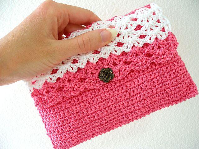 crochet purse ravelry: perfect purse pattern by lion brand yarn ~ **free crochet pattern** ncbomrq