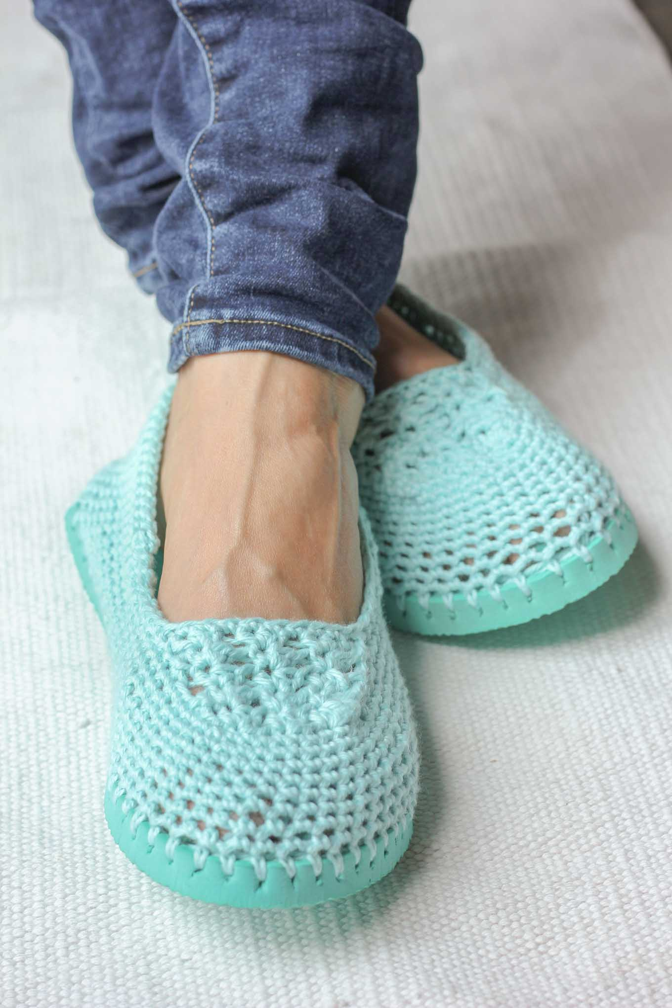 Crochet Shoes make pretty little boots
