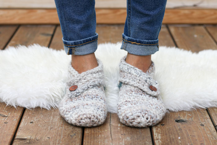Crochet Slippers this free crochet slippers pattern will satisfy the modern minimalist in  you kdctnye