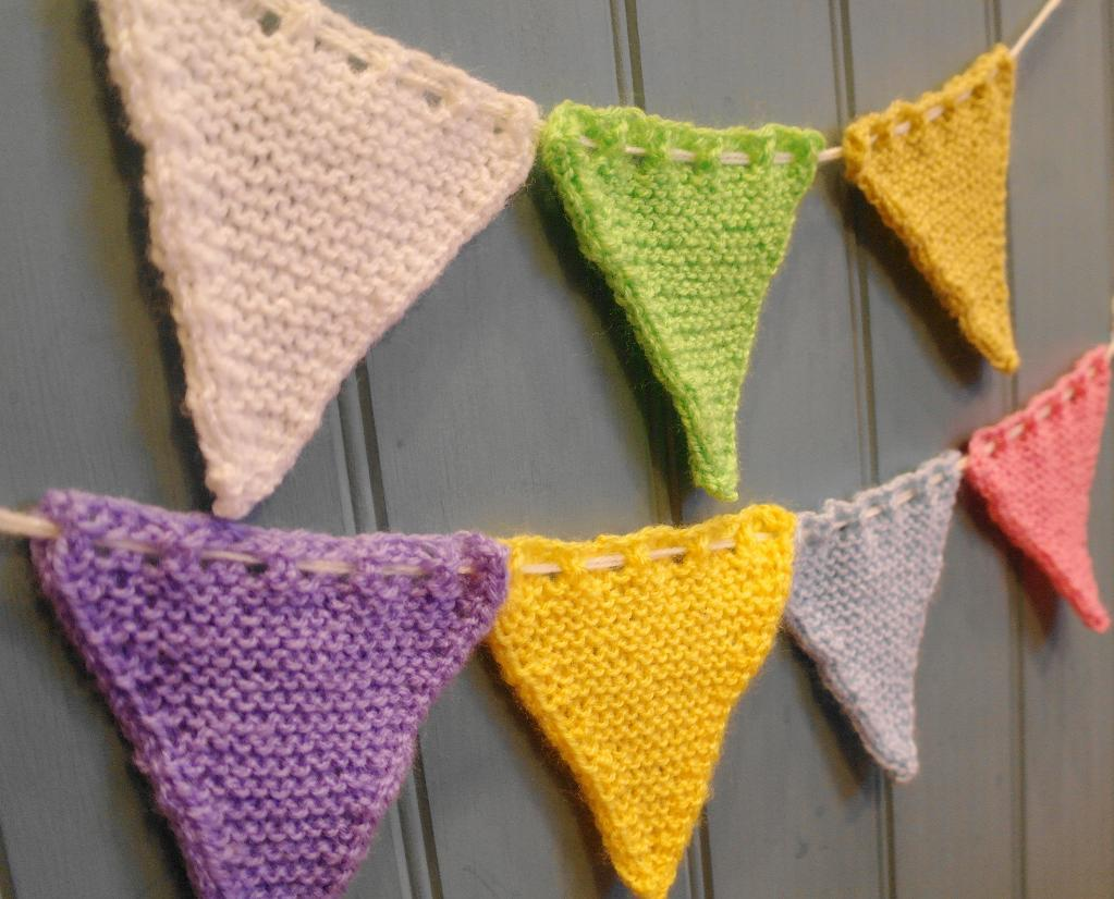 easy knitting projects free bunting flag free knitting pattern tmnmfzq