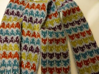 Fair Isle Knitting kitten and stripe scarf ... rpyflmq