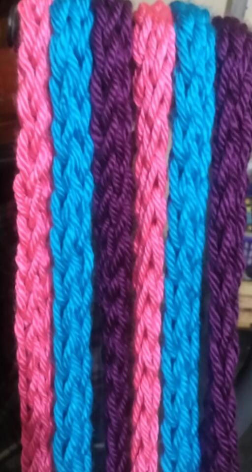 Finger Knitting uploaded 7 months ago rwaswsk