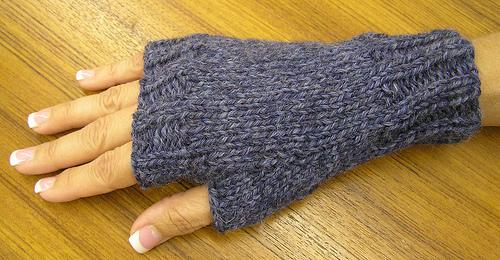 fingerless gloves knitting pattern by ancientpathways nksdwjp