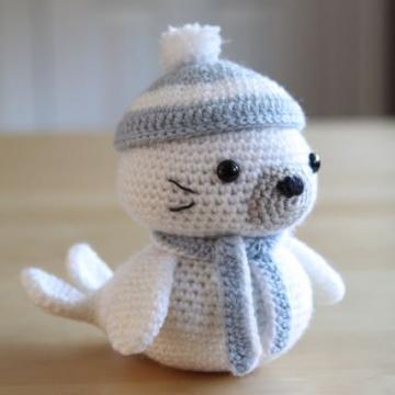 free amigurumi patterns sammy the seal: amigurumipatterns has the biggest collection of amigurumi  patterns. click mmhddci