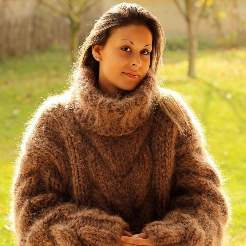 hand knit mohair sweater brown fuzzy turtleneck 10 strands handgestrickte  pullover by azgoutw