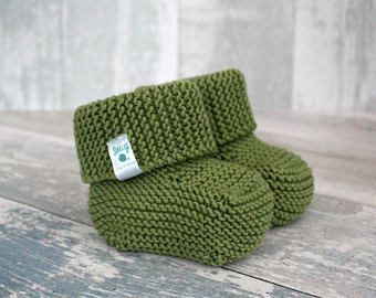 hand knitted baby clothes, gender neutral baby booties, unisex baby  bootees, stay wuhuqnb