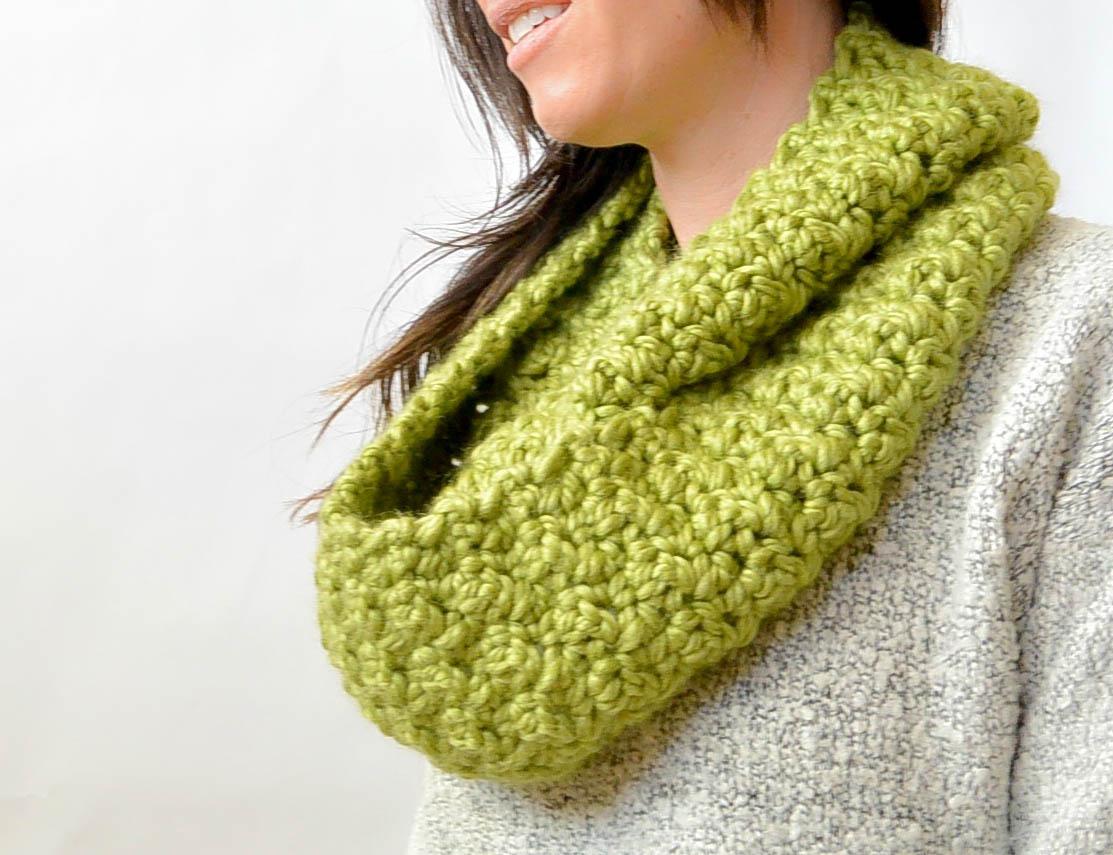 infinity scarf crochet pattern green chunky crochet infinity scarf pattern 2 bkfmfdi