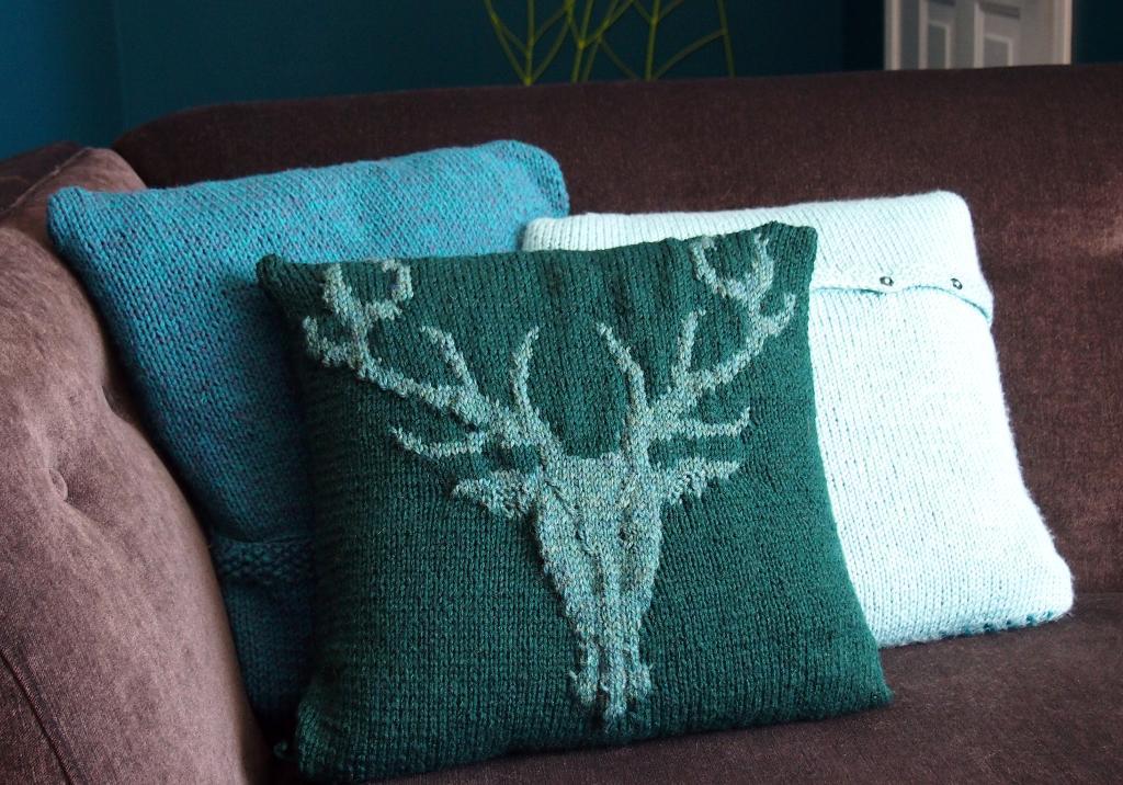 intarsia knitting knit stagu0027s head intarsia pillow cvcetix
