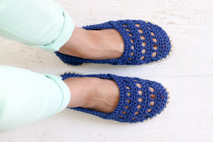 these seaside crochet shoes with rubber bottoms come together easily with  lion gxivvzf