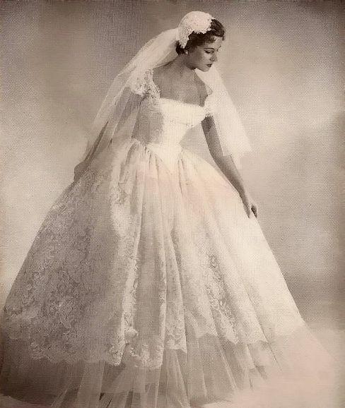 Lace wedding dress, 1950   Vintage Wedding Dresses   Wedding dresses