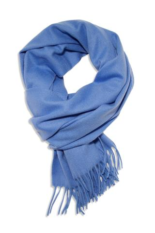 Fashionable blue scarfs for a beautiful look