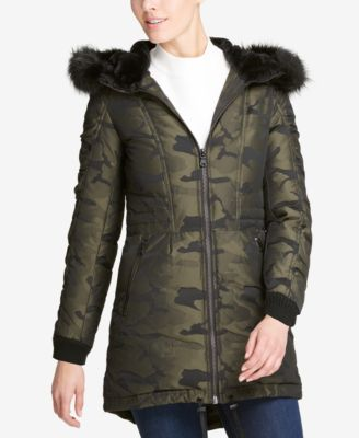 Add new look to your personality with dkny coats