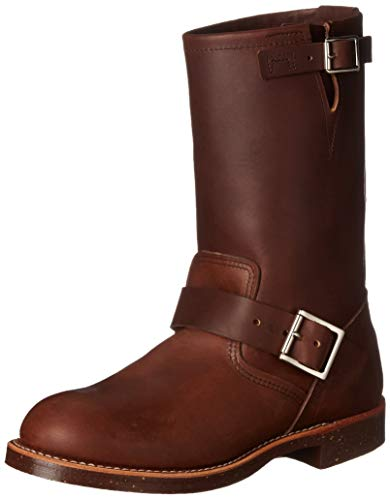 Choose engineer boots to look trendy and fashionable