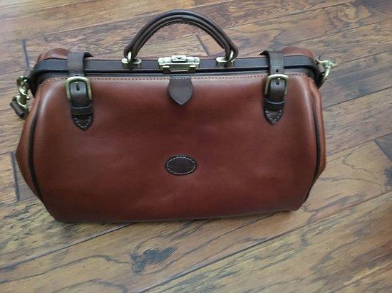 Gladstone Bag - Picture of Mackenzie Leather, Edinburgh - TripAdvisor