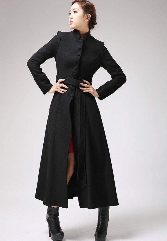Choose long black coat as evergreen stylish wear