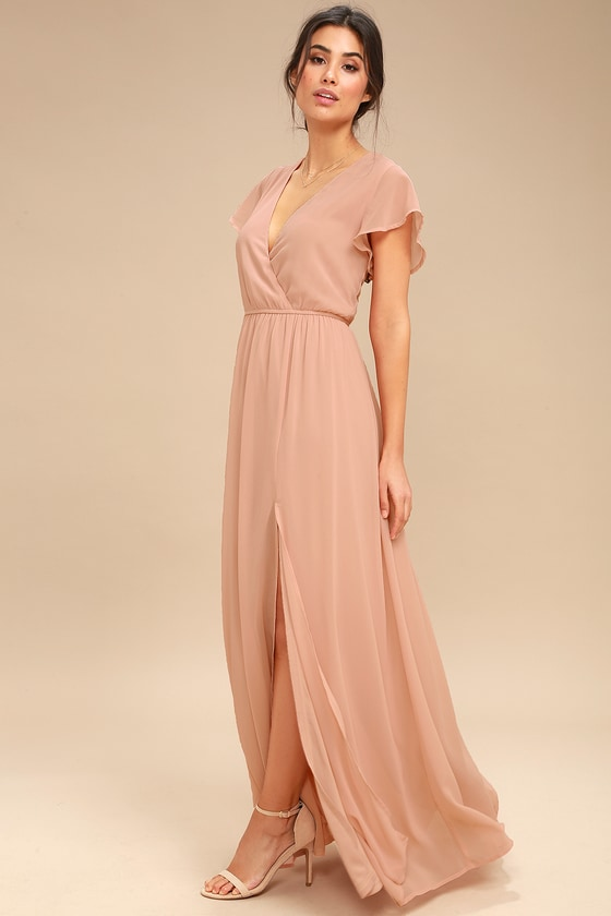 Add new and latest fashion style to your collection with maxi dress