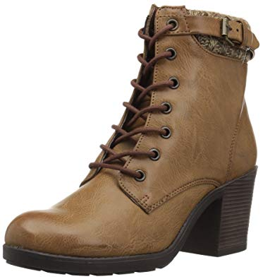 Give a fashionable touch to your outfits with Mia boots