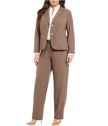 Women formals never ends: go for plus size suits