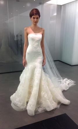 Vera Wang Leda, $3,600 Size: 8 | Used Wedding Dresses