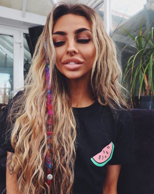 Floral crowns to beach waves, these are the hippie hairstyles you ne