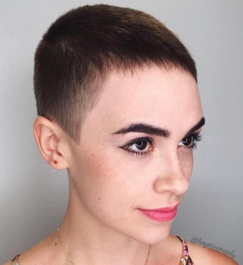 20 Bold Androgynous Haircuts for a New Lo