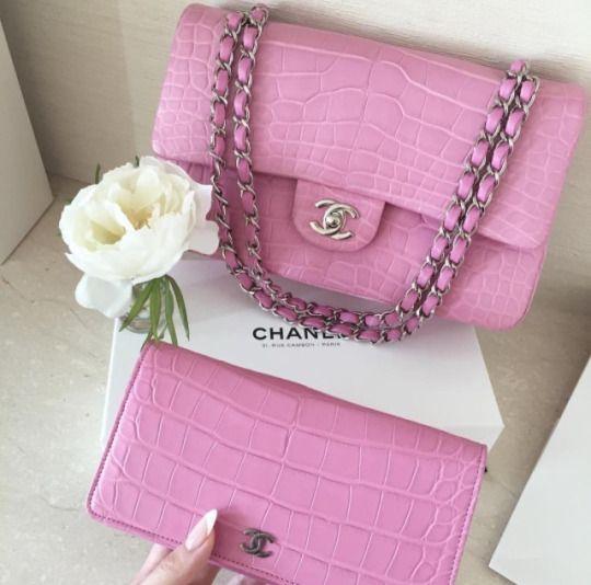 raining-glitterxo   Chanel handbags, Chanel, Pink chan
