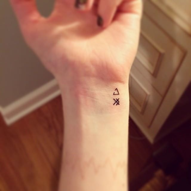 20 Cute Small Meaningful Tattoos for Women - Pretty Designs .
