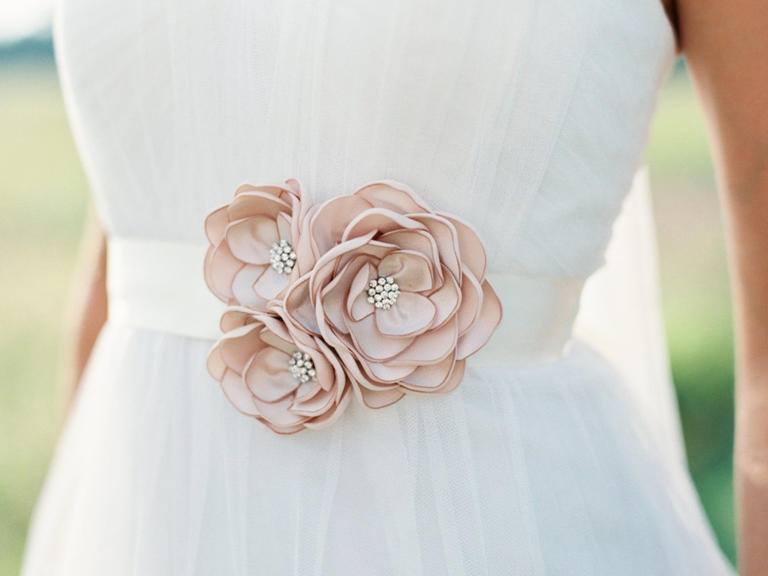 66 Super Gorgeous Bridal Wedding Sash Ideas That Are Worth Copyi