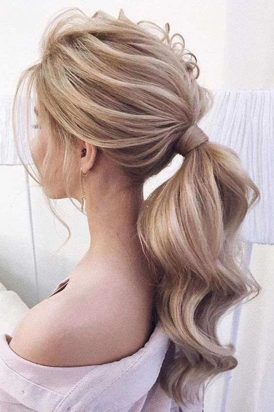 Long and Beautiful Ponytail Hairstyle for Women - Page 2 of 20 .