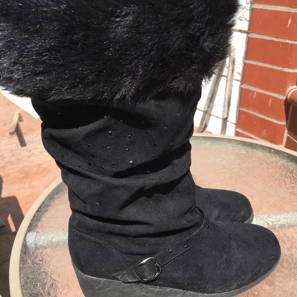 Canyon River Blues Shoes | Beautiful Chic Fur Boots | Poshma