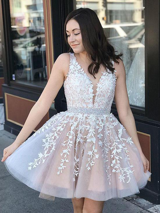 Chic Short Prom Dress V neck Applique Short Prom Dresses .